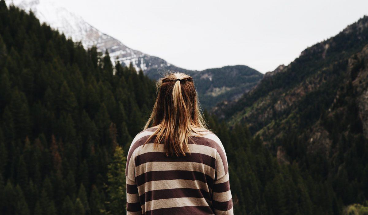 Γιατί υπάρχουν τόσοι μόνοι, ενώ υπάρχουν τόσοι μόνοι;
