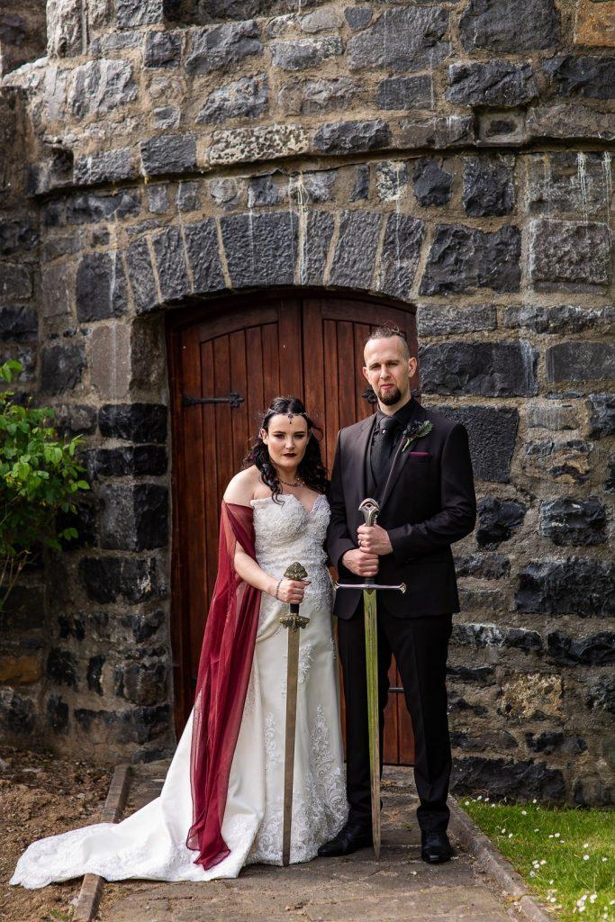 Μεσαιωνικός γάμος με σπαθιά