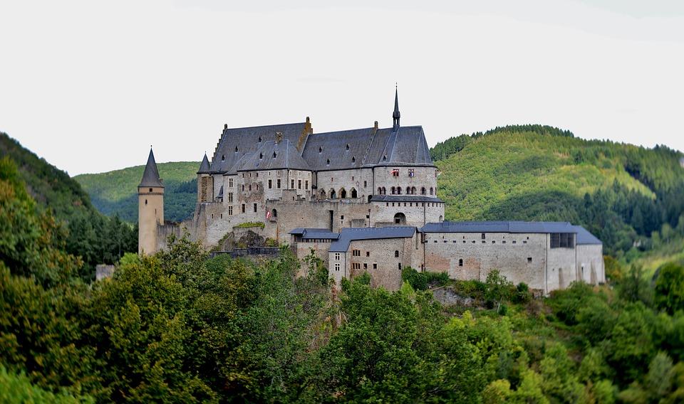 Κάστρο Vianden από μακριά